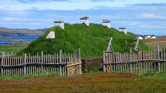 L'Anse aux Meadows, vikinško naselje na obalama New Founlanda.
