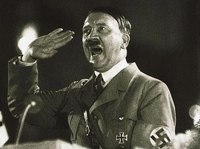 Adolf Hitler je pokazivao jasne psihopatske odlike, njegovi javni nastupi su zatrli put izučavanju govora tijela, tako karakterističnog za pishopate s mesijanskim kompleksom.