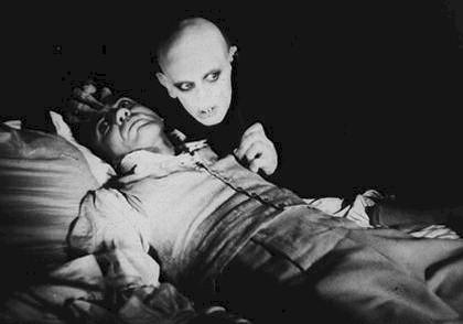 Horori vampire prikazuju kao čudovišta koja se lako prepoznaju, no je li to zaista tako lako?