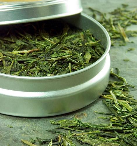 Zeleni čaj je sa svojim ljekovitim sastojcima moćno oružje u borbi protiv raka, no također i olakšava tegobe koje nastaju u menopauzi.