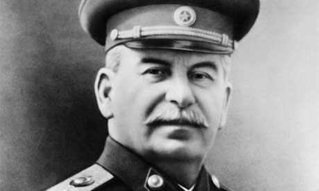 Psihopat - karakteropat Staljin je imao čak i sociopatske karakteristike. Veliki Andrzej Lobaczewski je otkrio kako se ovakav tip pishopate dijelom stvara i zbog određenih povrijeda glave iz djetinjstva ili tijekom poroda.