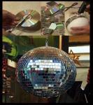 Možda nećete otvoriti disco klub, no možda bi se vašem teenageru svidio ovakav dodatak za sobu, ili je jednostavno možete napraviti kao poklon za prijatelje.