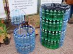 Kanta za otpad od iskorištenih plastičnih flaša? Genijalno!