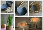 Kako se zgodno mogu upotrijebiti iskorištene konzerve s malo drvenih štipaljki za rublje da postanu držač za svjeću ili tegla za cvijeće. Možda vi smislite još koji način za korištenje.