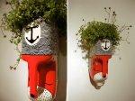 Ova tegla za cvijeće je napravljena od ukrašenog kanistera.