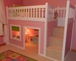 Idealan krevet na kat s prostorom za kućicu za vašu malu princezu. Za malog princa samo promijenite boju i sadržaj u kućici