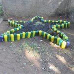 Efektan cvjetnjak nastao je uz pomoć plastičnih flaša
