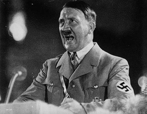 Hitler u žaru govora, i sam je upadao u trans, nakon što je na noge podigao mase ljudi na nacističkim skupovima.