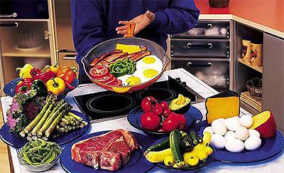 Ketogena prehrana obuhvaća meso, ribu, jaja, sir te povrće sa smanjenim udjelom ugljikohidrata.