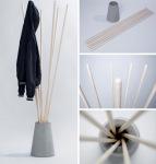 Vješalica za jakne od štapova umetnutih u teglu ili vazu