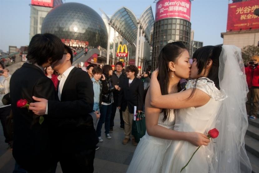 Gay vjenčanja u Kini. Smetaju vam ovakve slike? Tada ste zasigurno homofob.