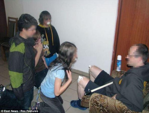 Granica pedofilije ili normalna zabava s djecom?