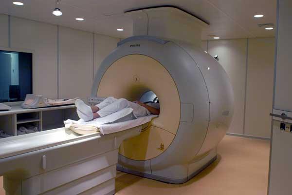fMRI ili magnetska rezonanca iznimno jako zrači tijela pacijenata, ali se o tom podatku šuti.