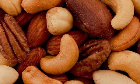 Orašasti plodovi su ukusna i zdrava namirnica, po bogatstvu vitamina E prednjači badem.
