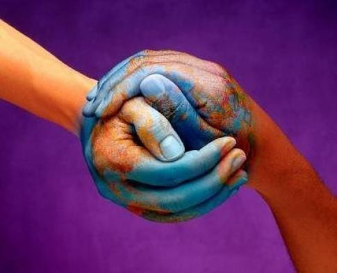 Empatija ili sposobnost suosjećanja se manifestira kad činimo dobra djela ili se bavimo volontiranjem. Ovo je zaisurno najbolji, najjednostavniji i potpuno besplatni, a učinkovit način kako da svijet učinimo boljim jestom za život.