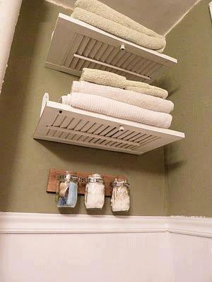 Police za kupaonicu od starih grilja