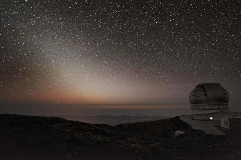 Predivna fotografija zodijačkog svjetla snimljena na Kanarima sredinom 2011 pored opservatorije Roque de los Muchachos.