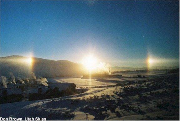 Solarni psi - je sličan fenomen koji također nastaje u polarnim i subpolarnim predjelima.