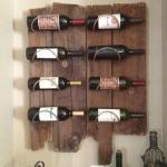 Držač za vinske flaše od neobrađenog drveta
