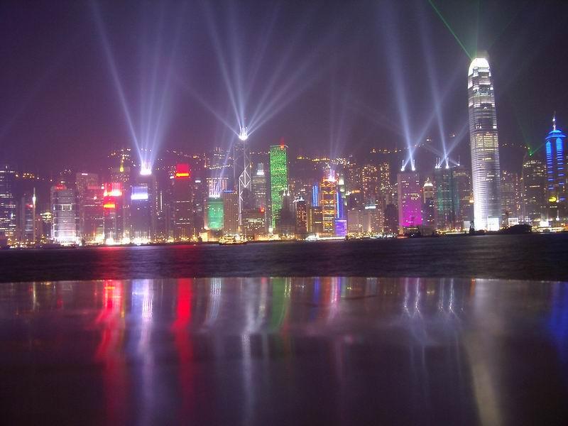 Koliko smo ovisni o električnoj energiji, najbolje pokazuje noćna fotografija centra Hong Konga.