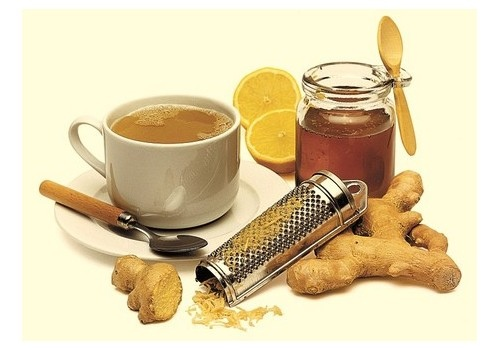 Jedan od načina konzumacije đumbira, osim kao dodatka hrani, može biti i čaj od ili s đumbirom.
