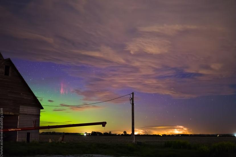 Aurora i sprite dva neobična fenomena jedna uz drugi.