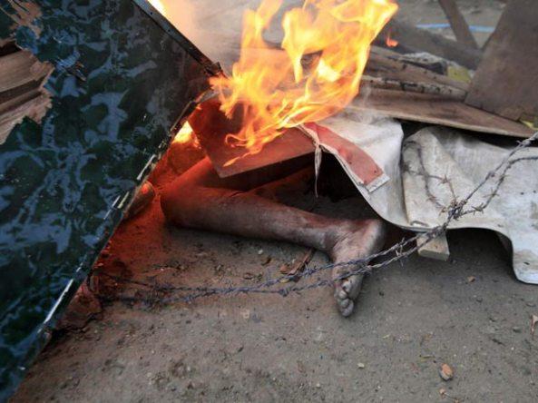 Ubijanje muslimana u Burmi od strane budističkih fanatika.