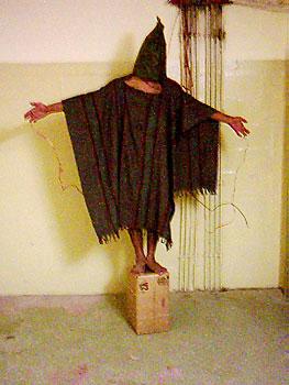 Sramotno mučenje zatvorenika u Iraku od strane američkih vojnika.