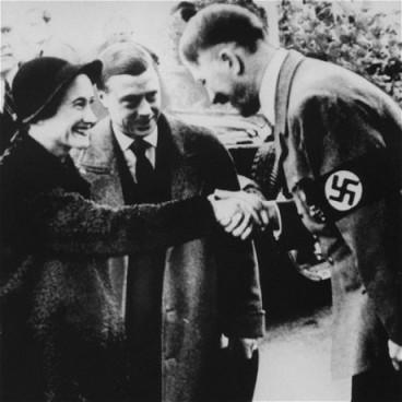 Edward VII i njegova žena u posjetu Adolfu Hitleru.