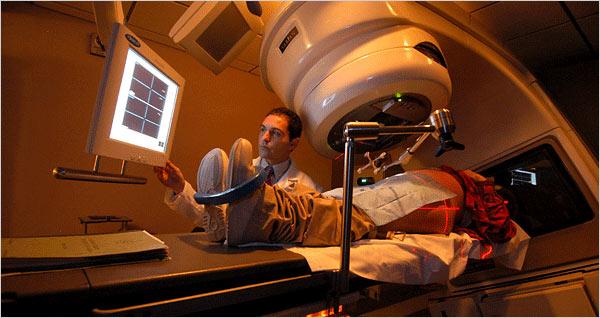 Zračenje je samo jedan od iznimno opasnih procedura s kojim se se morali suočiti ljudi s krivo dijagnosticiranim rakom dojke ili prostate.
