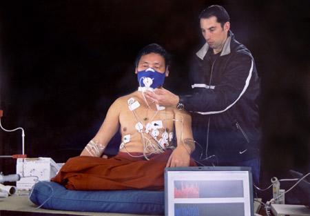 Tibetanski budistički redovnik za vrijeme eksperimenta. Koliko malo znamo o utjecaju meditacije na naša tijela i um?