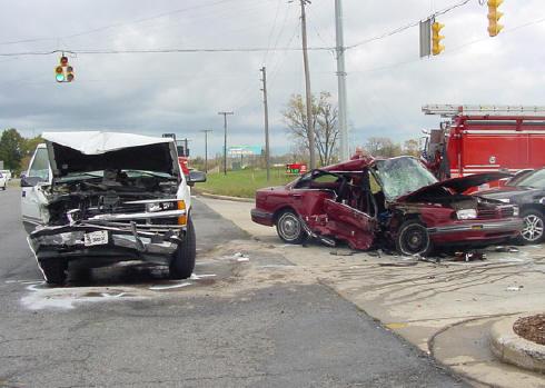 Mnoge automobilske nesreće se događaju zbog smanjene pozornosti u vožnji, neke od njih su uzrokovane i razgovorima na mobitel ili putem hands free uređaja.