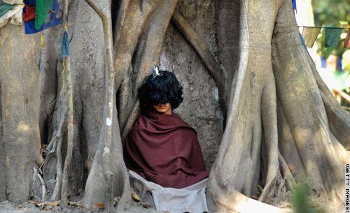 Ram nakon sedam mjeseci meditacije, kosa i nokti su mu narasli iako s puno manjom brzinom nego li bi se to dogodilo običnom ljudskom biću.
