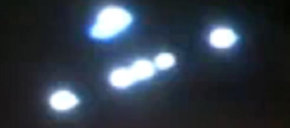Snimka NLO-a iznad grada La Vega u Dominikanskoj republici, napravljena 16.04.2010.