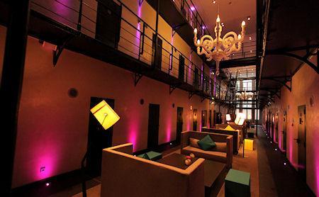dutch-prison-transformed-into-luxury-hotel-L-YZk3_d