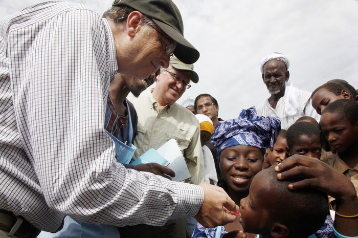 Ovako Bill Gates spašava svijet od gladi - umjetnim jajima, ne testiranim cjepivima i chemtrailsima.