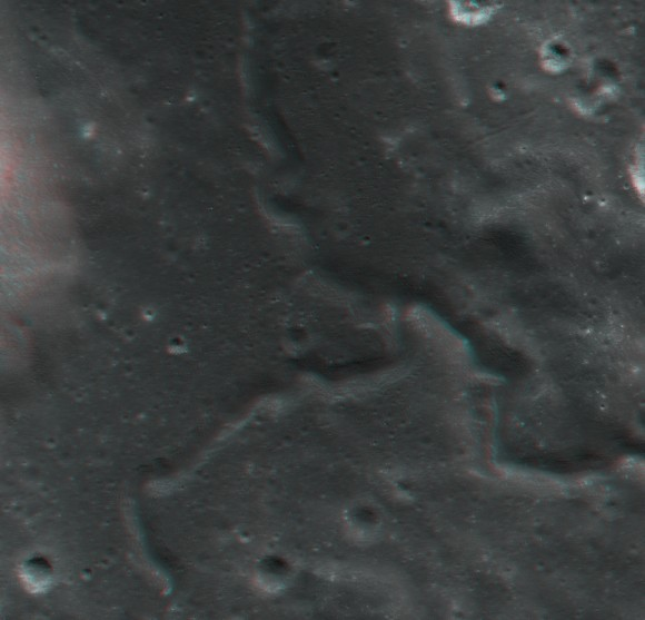 lroc_alpes_sinuous_rille-580x557