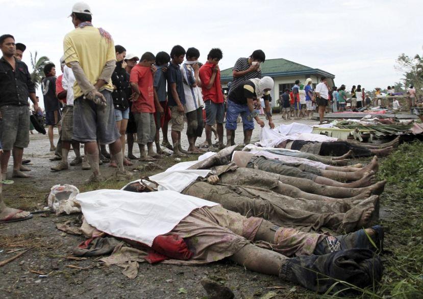 Nedavna tragedija na Filipinima je odnjela preko 10 tisuća ljudskih žrtava, a predsjednik ove otočne države je smanjio broj žrtava na 2500 kako bi slriječio javnu histeriju i paniku.