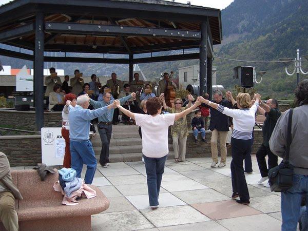Andorci vole fizičke aktivnosti, bez obzira je li riječ o plesanju, šetnjama ili plivanju.