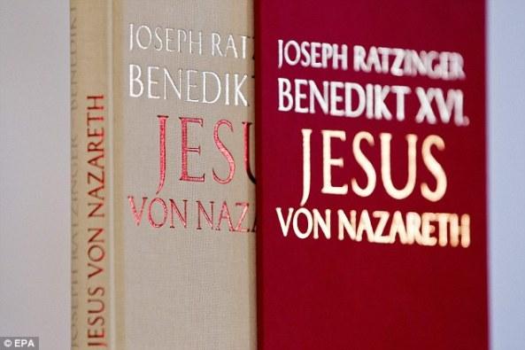 Isus iz Nazareta, knjiga bivšeg pape Benedikta XVI, se prodaje u milijunskim godišnjim nakladama.