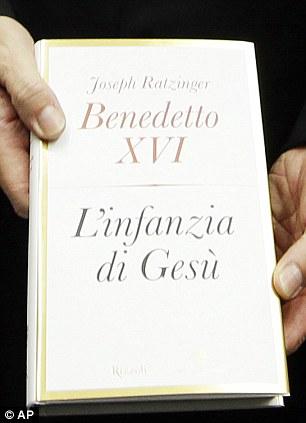 """Knjiga """"Isusova mladost"""" je prevedana na brojne svjestke jezike, no ništa neće uraditi po pitanju ispravljanja kalendarskih i crkvenih dogmi."""
