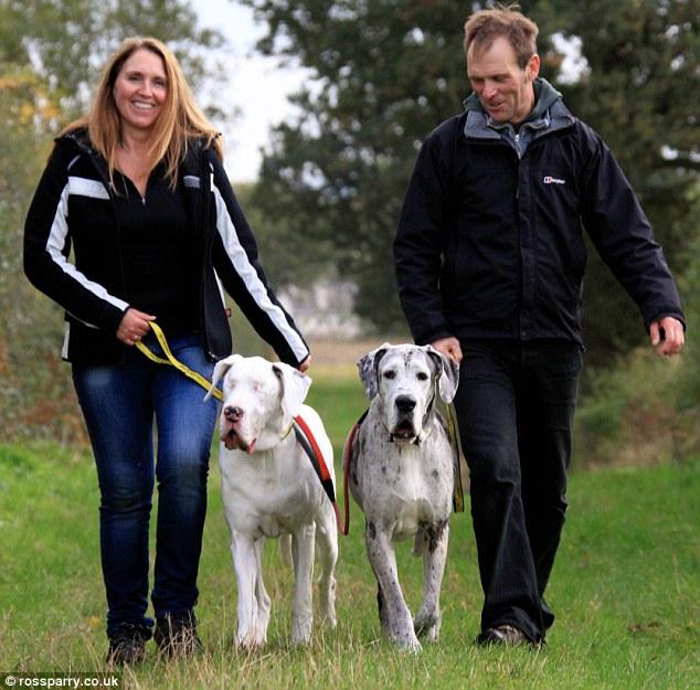 Obitelj Williams sa svoja dva posebna ljubimca.