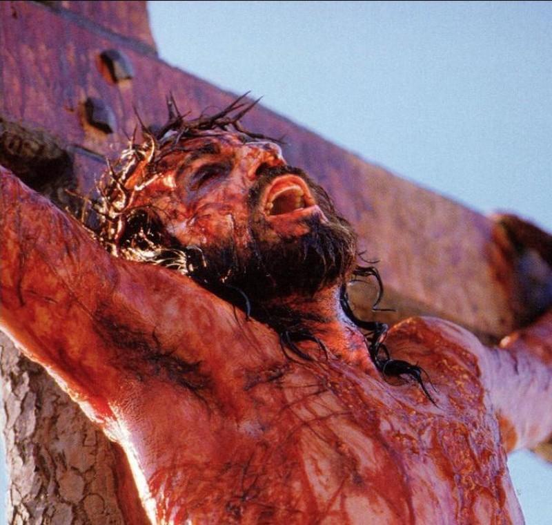Prikaz muka Isusovih iz nedavnog filma. Stvaraju li ovakvi prikazi vjerski zanos kod pripadnika Opusa Dei, žele li mučenjem svoga tijela oponašati svoga spasitelja?