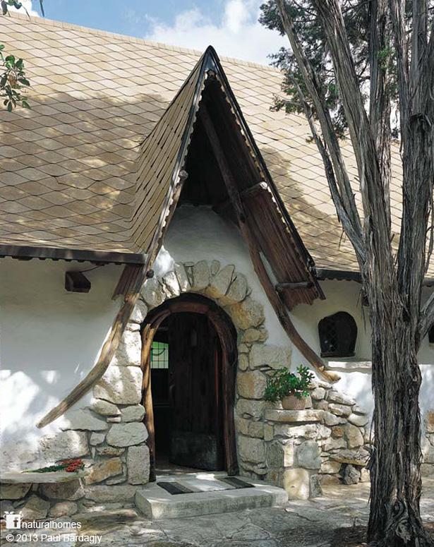 Kuća Gary Zukera koji prethodno nije imao nikakvo znanje o gradnji cob materijalima.