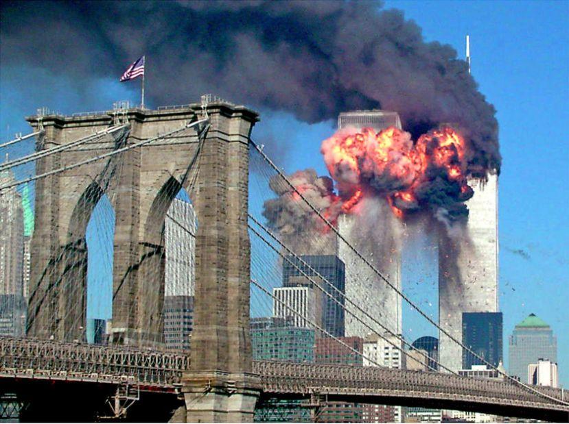 Rušenje zgrada Svjetskog Trgovačkog centra u New Yorku je stvorilo prekretnicu na globalnom planu i smanjenje građanskih sloboda.