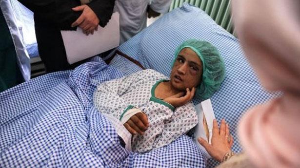 Sahar Gul, 15-to godišnja djevojčica iz Afganistana prodana je kao nevjesta, a obitelj mladoženje ju je sustavno maltretirala i držala zatvorenu u toaletu čak 6 mjeseci jer je odbijala biti prostitutka. Tukli su je, čupali joj nokte i gasili cigarete na njoj.