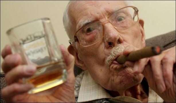 Arthur Langran je bio jedan od najdugovječnijih ljudi Velike Britanije i strastveni pušač.