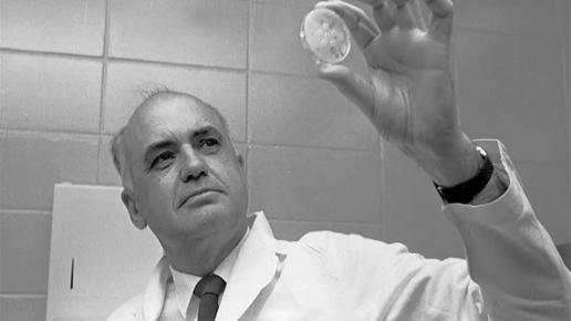 Dr. Maurice Hilleman, znanstvenik koji je otvoreno priznao da je kompanija Merck znala da su cjepiva kontaminirana, no nastavili su s ispitivanjama na ljudima u masovnim razmjerima.