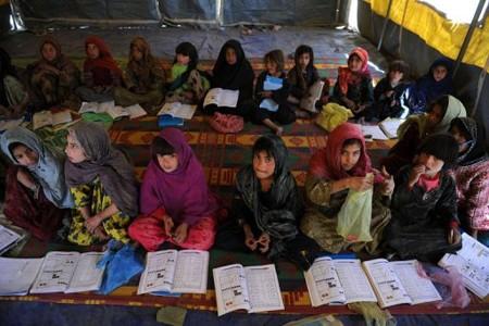 Loši uvjeti školovanja su česti razlog odustajanja od edukacije i ulaska u rane i prisilne brakove.