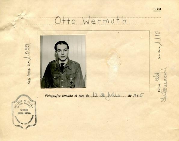 Otto Wermuth se predao argentinskim vlastima nakon što je Hitlera i Braunovu iskrcao na obalu južne Argentine u području Patagonije.